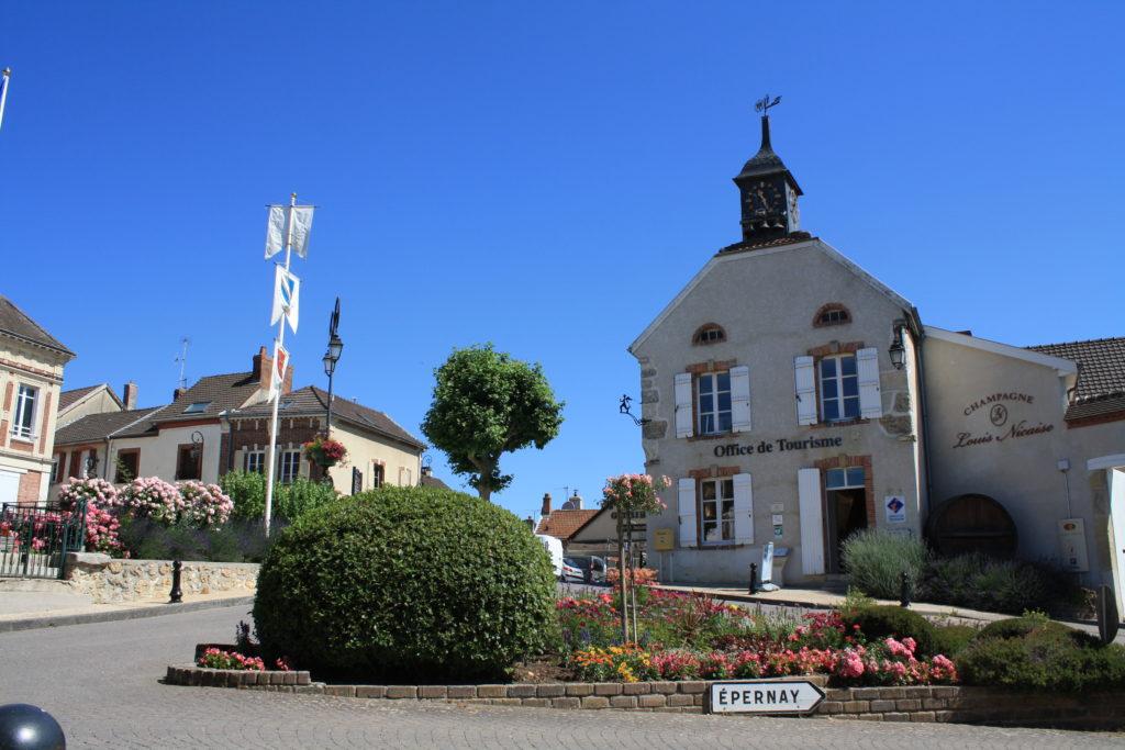 le_coeur_du_village_d_hautvillers_village_fleuri